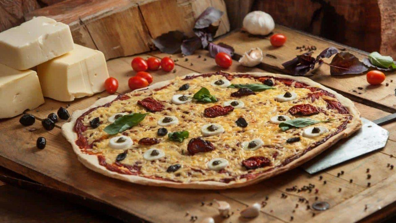 'משומשו' מגישה לרגל יום הפיצה הבינלאומי – פיצה טבעונית