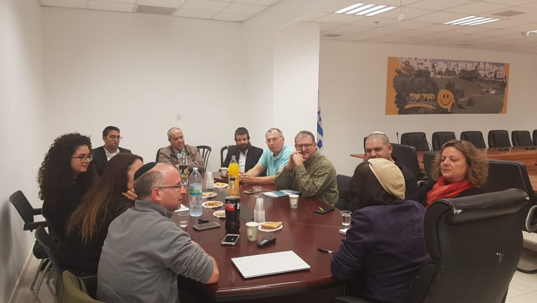 """מפגש אנשי תקשורת מקומיים עם רה""""ע עליזה בלוך ויועץ התקשורת אסף פאסי"""