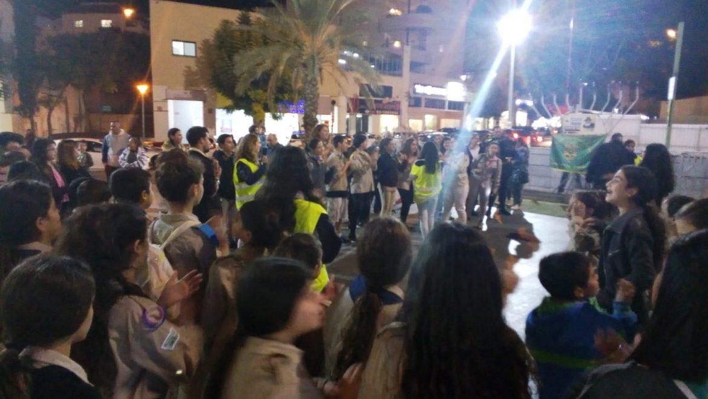 תנועת הצופים במצעד לפידים מסורתי
