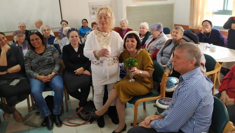 ביקור ראש העיר עליזה בלוך במרכז יום לקשיש